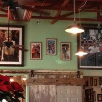 รูปภาพถ่ายที่ Guero's Taco Bar โดย Erica F. เมื่อ 12/2/2012