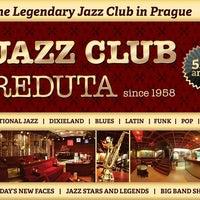 รูปภาพถ่ายที่ Reduta Jazz Club โดย Reduta Jazz Club เมื่อ 9/12/2013
