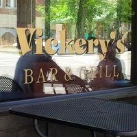 รูปภาพถ่ายที่ Vickery's โดย Derell S. เมื่อ 5/26/2013