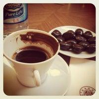 10/11/2013 tarihinde Hale Gamze A.ziyaretçi tarafından Kahve Dünyası'de çekilen fotoğraf