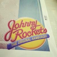 Foto tirada no(a) Johnny Rockets por Banzai E. em 3/29/2014