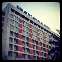 Das Foto wurde bei Phuket Merlin Hotel von Gig D. am 3/17/2013 aufgenommen