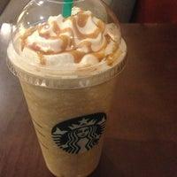 Photo prise au Starbucks par Samed G. le6/18/2013