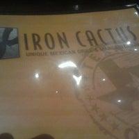 รูปภาพถ่ายที่ Iron Cactus Mexican Restaurant and Margarita Bar โดย Eric H. เมื่อ 10/13/2012