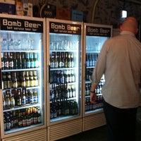 9/27/2013에 Shaun Kirkwood님이 Bomb Beer에서 찍은 사진