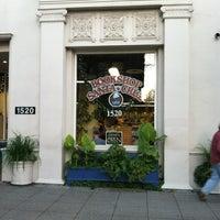 Снимок сделан в Bookshop Santa Cruz пользователем Teri T. 1/22/2013