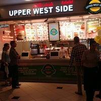 Foto tirada no(a) Upper West Side Falafel por Gamze A. em 9/1/2013