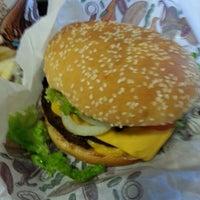 รูปภาพถ่ายที่ Burger King โดย Fernando L. เมื่อ 11/15/2012