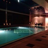 Foto tirada no(a) Hotel Vier Jahreszeiten Kempinski por Elias P. em 11/15/2013