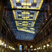 Снимок сделан в Galleria Alberto Sordi пользователем Paola 12/23/2012