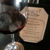 Foto diambil di Barley Vine oleh Robin M. pada 5/21/2013