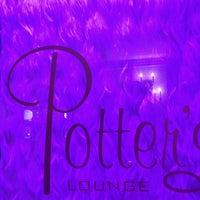 Foto tomada en Potter's Lounge por sara c. el 6/19/2013