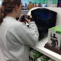 Foto tirada no(a) Microsoft Store por Elizabeth J. em 11/10/2012