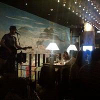 Foto diambil di B-Soho Cocktail Bar & Pizzeria oleh Winston D. pada 11/10/2012