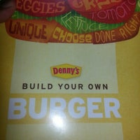 Foto scattata a Denny's da Milton M. il 9/19/2012