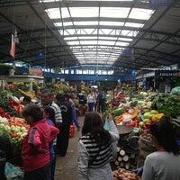 Foto tomada en Plaza de Mercado de Paloquemao por Andrés N. el 6/15/2013