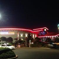 รูปภาพถ่ายที่ Chinook Winds Casino Resort โดย Paul S. เมื่อ 3/31/2013