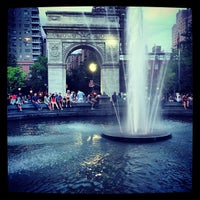 Foto tomada en Washington Square Park  por Clint A. el 6/3/2013
