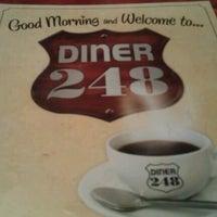 Foto scattata a Diner 248 da Josh L. il 12/13/2012