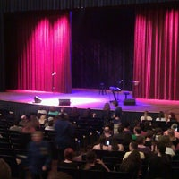Foto tomada en Lisner Auditorium por Zaakirah M. el 5/15/2013