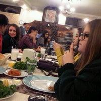 1/18/2013 tarihinde Busra ✨🎶💗ziyaretçi tarafından Minder Ocakbasi'de çekilen fotoğraf