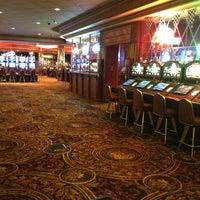 Снимок сделан в Turning Stone Resort Casino пользователем Becky M. 2/7/2013