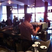 Das Foto wurde bei Tiago Espresso Bar + Kitchen von Yuri am 12/21/2012 aufgenommen