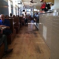 3/9/2015にYvonne J.がWard 6 Food & Drinkで撮った写真