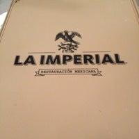 รูปภาพถ่ายที่ La Imperial โดย Rafael C. เมื่อ 5/4/2013