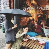 Снимок сделан в Seven Lives - Tacos y Mariscos пользователем Christine P. 5/14/2014