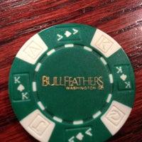 Das Foto wurde bei Bullfeathers von Ed C. am 4/23/2013 aufgenommen