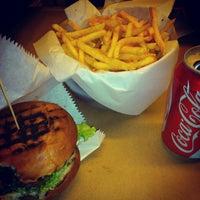 12/30/2012 tarihinde hazalodousziyaretçi tarafından Biber Burger'de çekilen fotoğraf