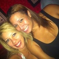 9/24/2012에 Estelle M.님이 Melody Bar and Grill에서 찍은 사진
