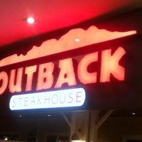 Снимок сделан в Outback Steakhouse пользователем Bruno C. 2/12/2013