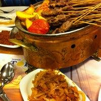 รูปภาพถ่ายที่ Topçu Restaurant โดย Arzu E. เมื่อ 2/4/2013
