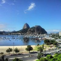Foto tirada no(a) Botafogo Praia Shopping por Michael J. em 6/18/2013