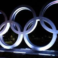 Foto tomada en Olympic Plaza por Justin W. el 6/14/2013