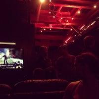 รูปภาพถ่ายที่ 42 Lounge โดย Luis R. เมื่อ 5/26/2013