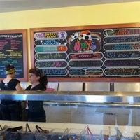 Das Foto wurde bei Amy's Ice Creams von Jerry S. am 9/29/2012 aufgenommen