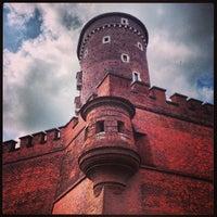 รูปภาพถ่ายที่ Zamek Królewski na Wawelu โดย Magda W. เมื่อ 6/23/2013