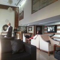 4/12/2013 tarihinde Sabri A.ziyaretçi tarafından Notte Hotel'de çekilen fotoğraf