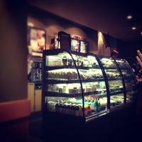Снимок сделан в Starbucks пользователем Евгения П. 10/8/2012