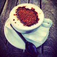 3/8/2013 tarihinde Fatih E.ziyaretçi tarafından Kahve Dünyası'de çekilen fotoğraf