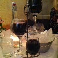 Foto diambil di Andies Restaurant oleh Emily B. pada 3/12/2013