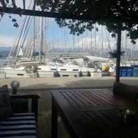 4/14/2013 tarihinde Merve B.ziyaretçi tarafından Mod Yacht Lounge'de çekilen fotoğraf