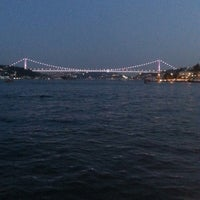 Das Foto wurde bei Yeniköy Sahili von Sema G. am 7/27/2013 aufgenommen