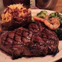 10/23/2012 tarihinde Jonathan C.ziyaretçi tarafından Texas Roadhouse'de çekilen fotoğraf