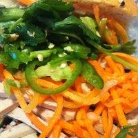 1/24/2013에 Minh님이 Bun Mi Sandwiches에서 찍은 사진