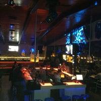 Photo prise au M Pub & Lounge par Tuncay K. le4/6/2013