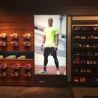 ... Foto tirada no(a) Nike Factory Store por Sandra C. em 5  ... e6182089914dc
